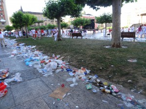 trash at San Fermin
